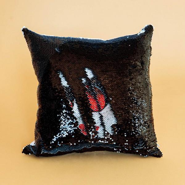 Фото на подушке хамелеон (чёрная)